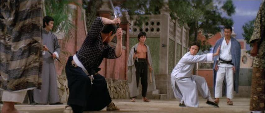 Gordon Liu faces a Kendo fighter